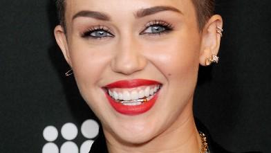 Miley Cyrus kicks off Bangerz Tour in Vancouver!